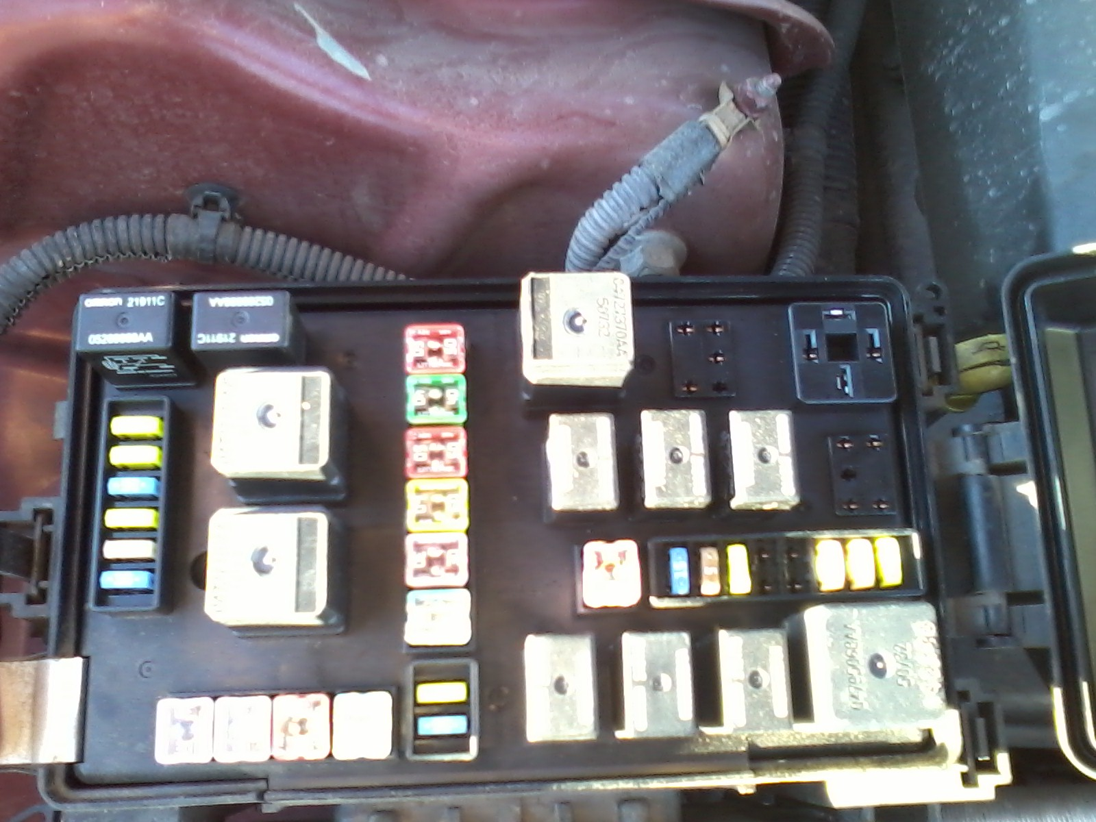 fuse box seems to be missing some fuses relays Fuse Box Surge Protectors fuse box seems to be missing some fuses relays 1125121557
